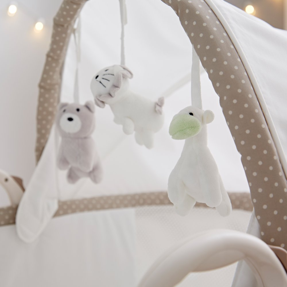 Soft Truffle Breathable Bassinet - Close up