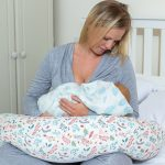 Breathe Pregnancy Pillow Botanical - Feeding